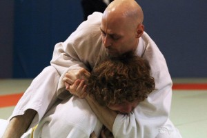 Csaba dominating opponent with ground-work, trying to apply shime waza